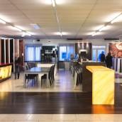 Beratungszentrum mit Stein & Licht Showroom 2016