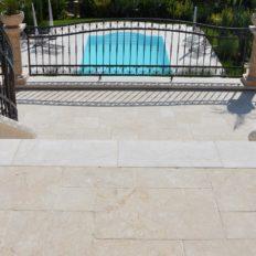 gr-c-terrasse-aus-kalkstein