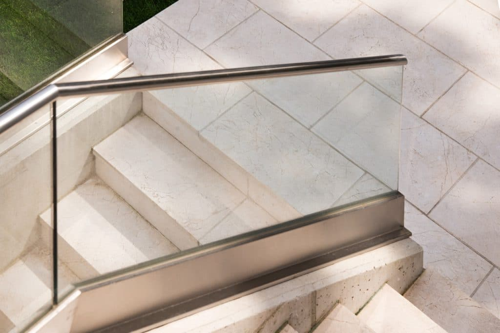 Levante Crema sandgestrahlt Stufen