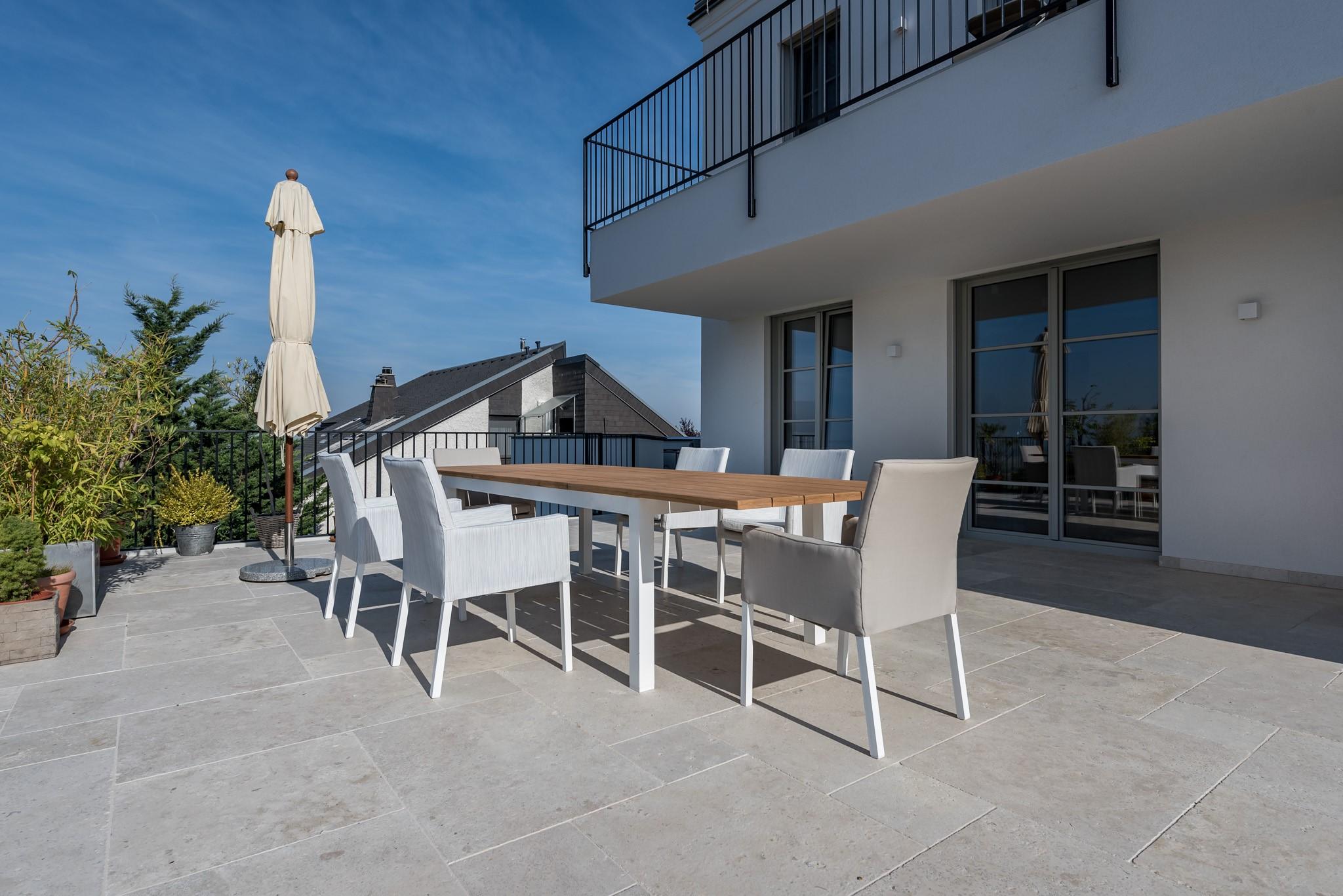 edeltravertin mandorla schöne terrasse naturstein