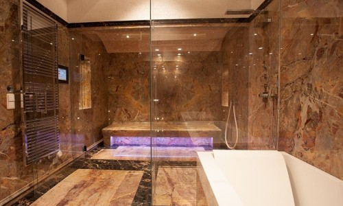 Marmor Luxusbadezimmer
