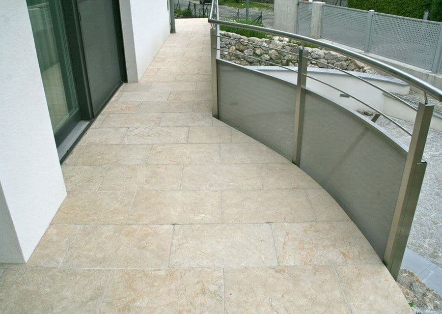 Kalkstein Levante Crema antik