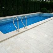 Kalkstein Pool