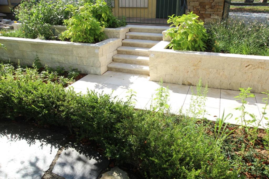 steinmauern in wien aus naturstein