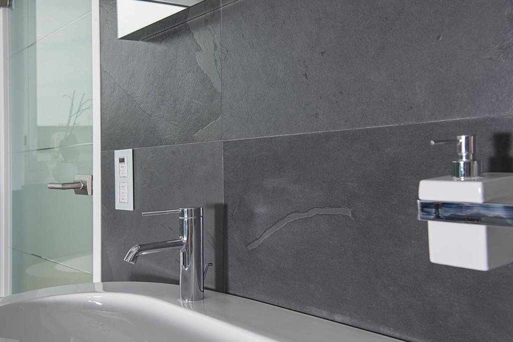 schiefer - schubert stone | naturstein - Schiefer Wand Wohnzimmer