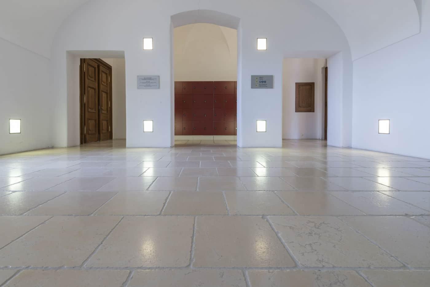 Antiker Kalkstein in Optik von historischen Kelheimer Platten – 13