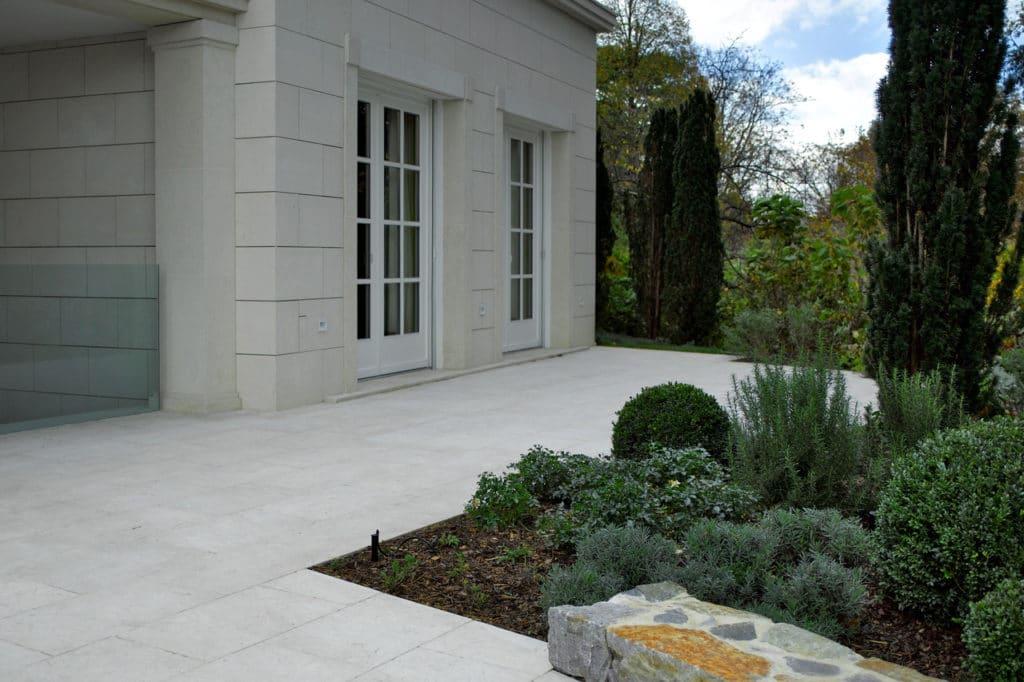 Fassade mit Kalkstein gestockt 4