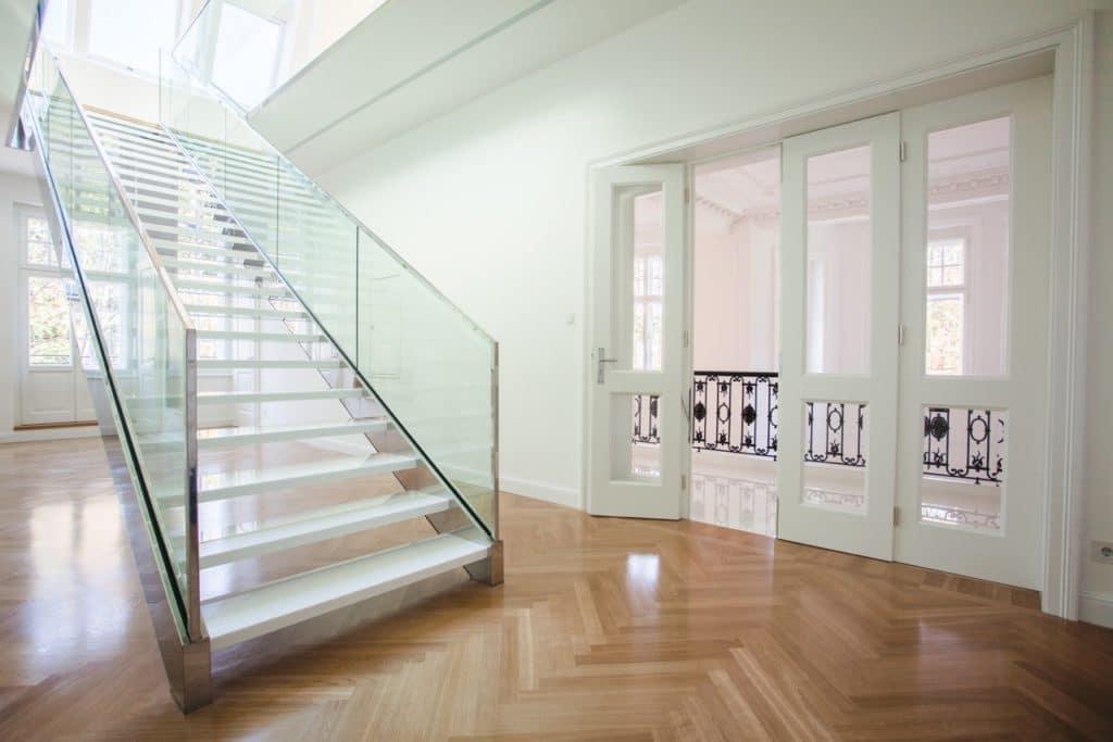 Glaskeramik Stufen freitragend auf Metall-Unterkonstruktion-2