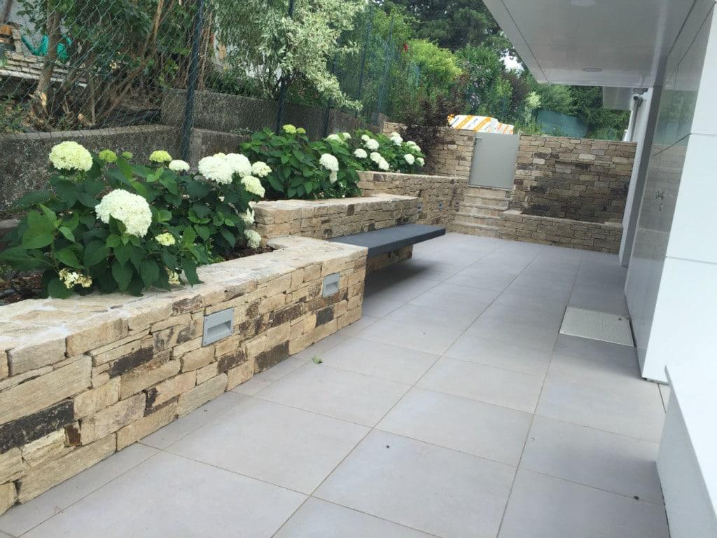 Gneis Bruchsteinmauer Naturstein außen