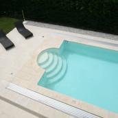 Naturstein Hartkalkstein Levante Crema Terrasse mit Pool