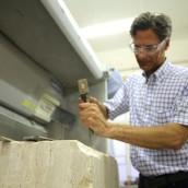 Gäste lernen den Beruf des Steinmetz kennen