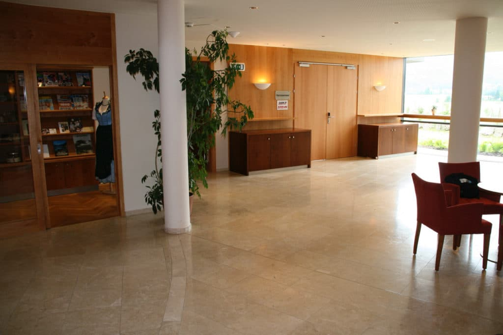 , Levante Crema patiniert in Hotels