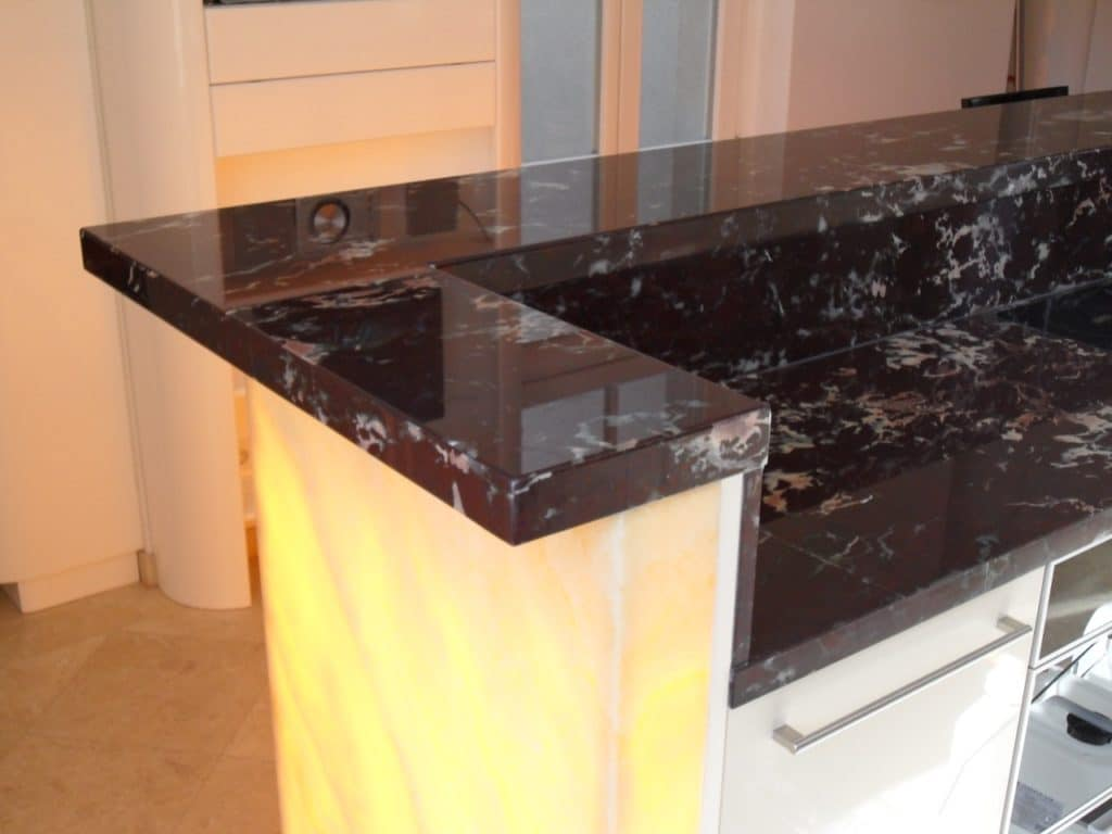 ... Arbeitsplatten Granit Wand · Küche Aus Marmor Und Onyx ...