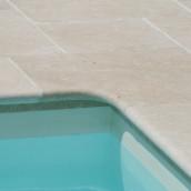 Beckenrandsteine Kalkstein Levante Crema Swimmingpool