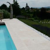 Beckenrandsteine Kalkstein Levante Crema Terrasse