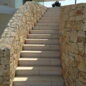 Bruchsteinmauer aus Naturstein