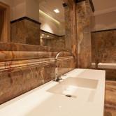 Waschtsch in Marmor Luxusbad