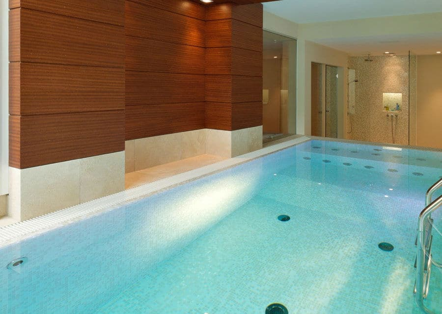 Pool Glasmosaik Wellness