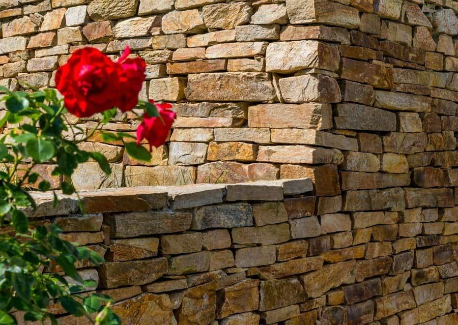 Gneis Mauer