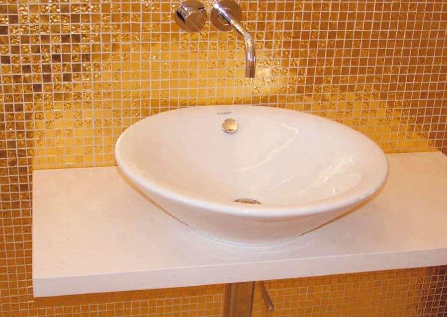 Goldmosaik Waschbereich