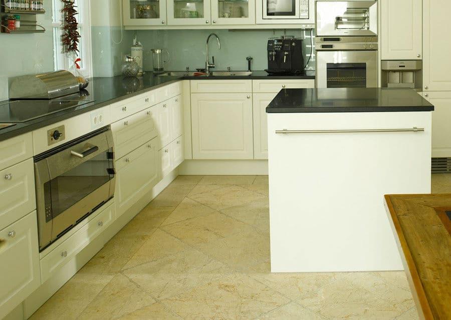 Levante Crema in der Küche
