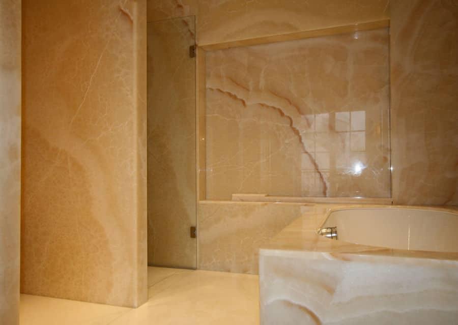 Luxusbäder Steinplatte große an Boden und Wand