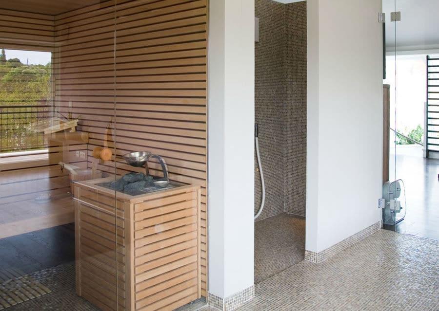 Mosaikfliesen im Wellnessbereich und Sauna