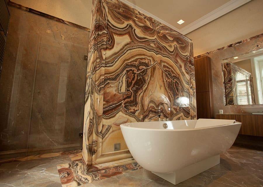 onyx-badezimmer-naturstein-luxus