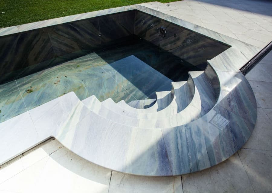 Quarzit Pool Treppe