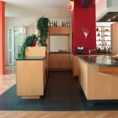 Stein und Holz küche Wohnbereich