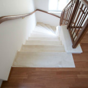 Steintreppe innen