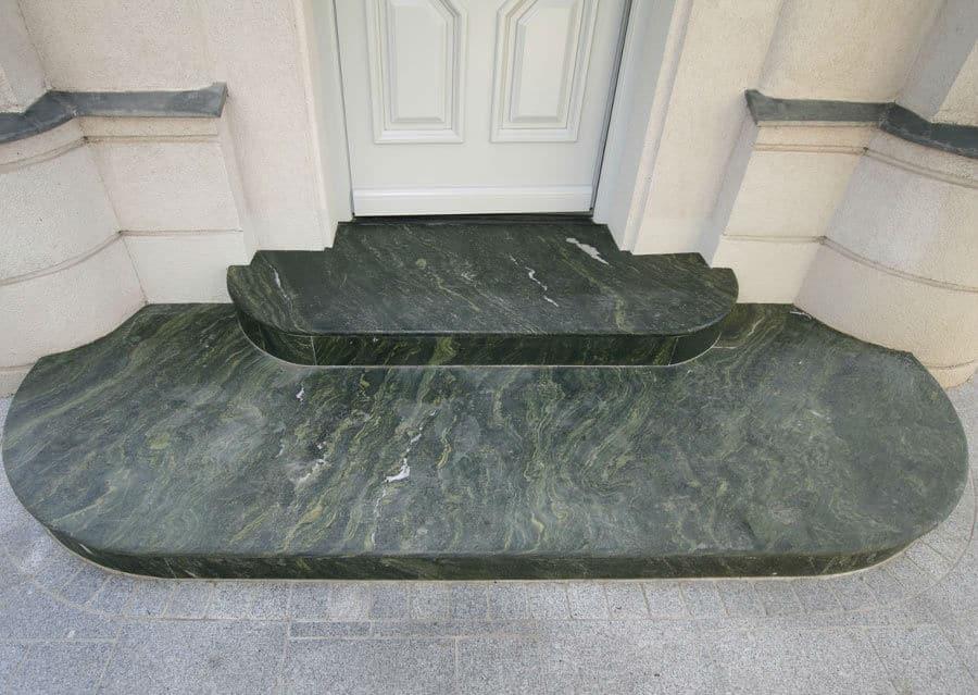 Steintreppen Eingang