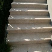 Steintreppen aussen Levante Cream Stufenplatten