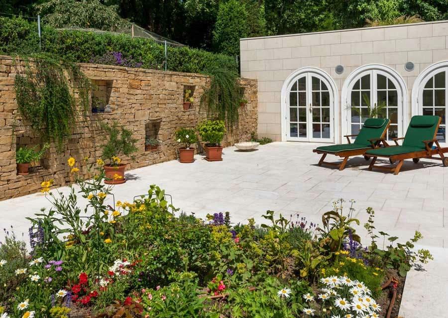 Terrassengestaltung Naturstein