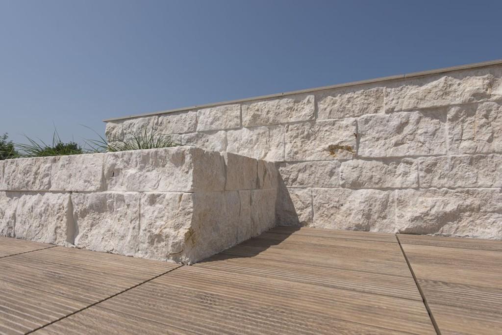 steinmauer beige