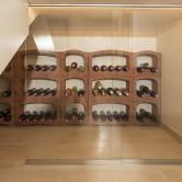 NAturstein im Weinkeller