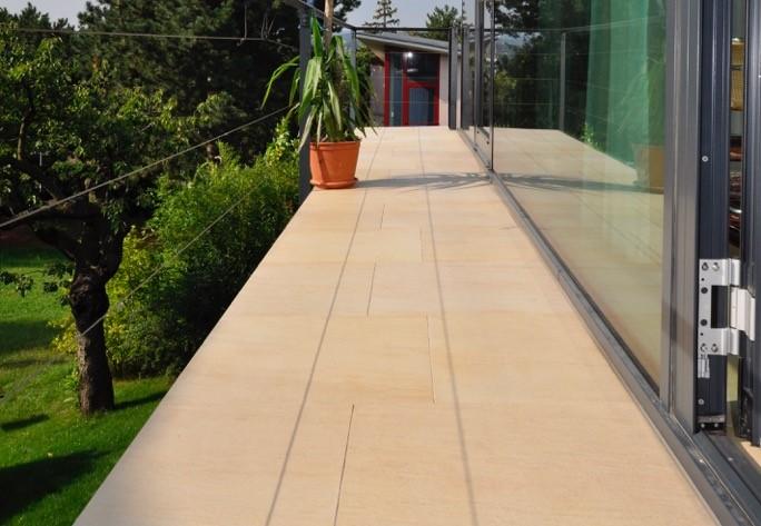 Technostein Terrassenplatten mit Naturstein optik