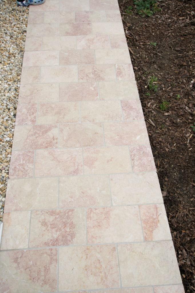 terrassenplatten naturstein kalkstein levante crema rosa antik terrasse außen