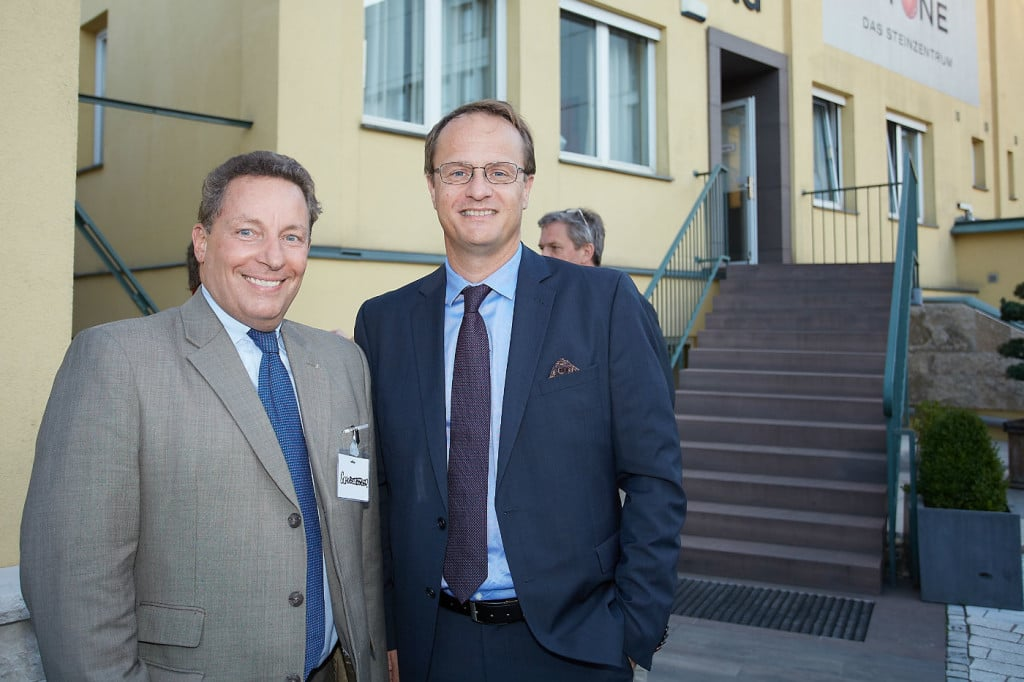 , TÜV AUSTRIA Forum und Markus Hengstschläger im Steinzentrum von SCHUBERT STONE | 2015