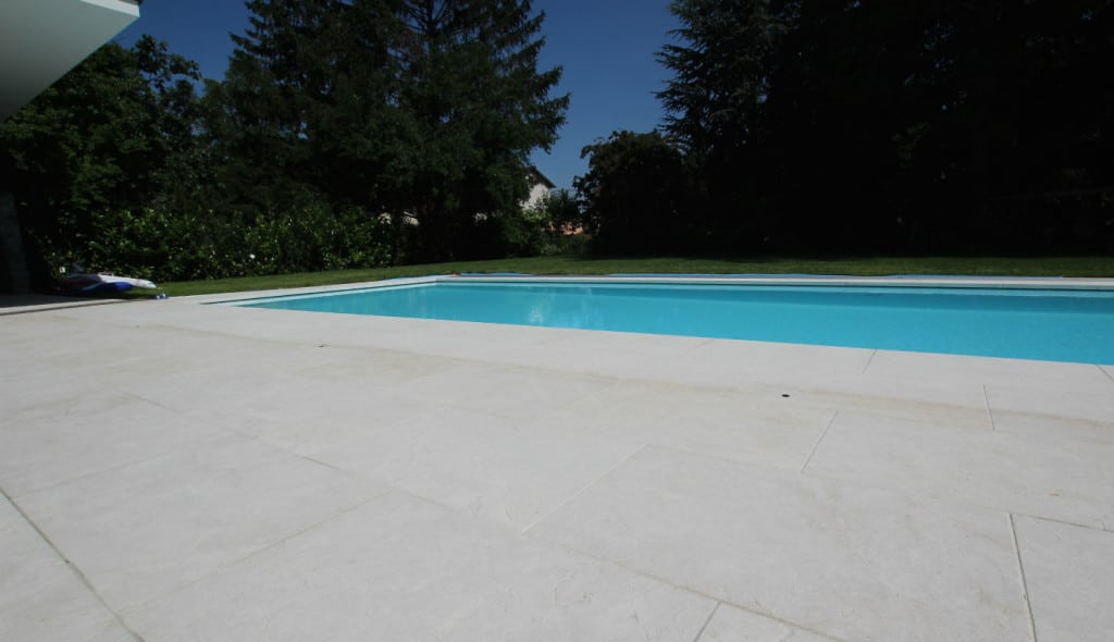 Beckenrand Pool Naturstein