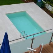 Naturstein Terrasse mit Pool