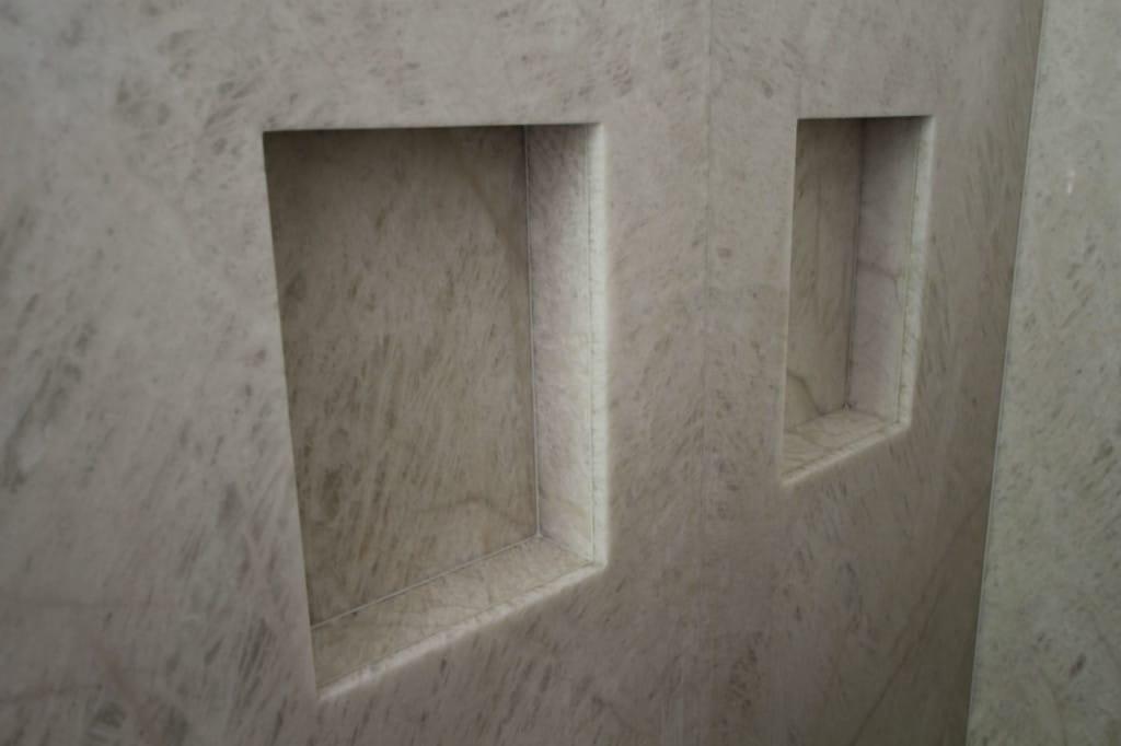 Steinrahmen aus Naturstein