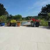 Naturstein Terrassenplatten professionell verlegt