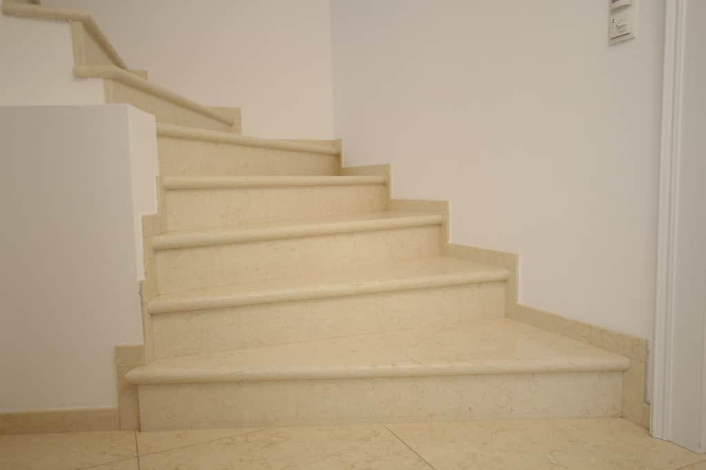 Steintreppe aus naturstein in Wien verlegt