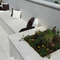 Hartkalkstein Levante Crema sandgestrahlt - Gartenanlage-Levante-Crema 8