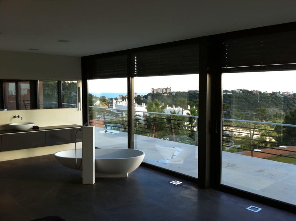 Modernes luxushaus in marbella referenzprojekt schubert for Modernes redstone haus