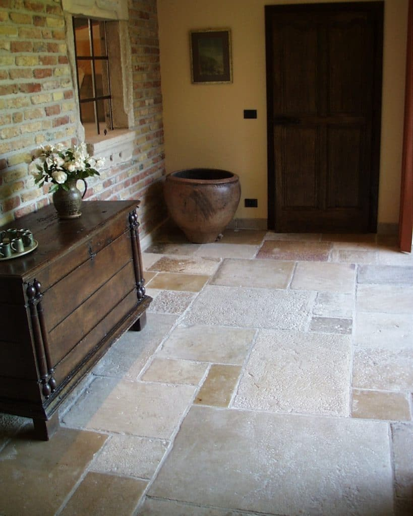Historischer Kalksteinboden-3