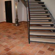 Original alter historischer Terracotta-Boden