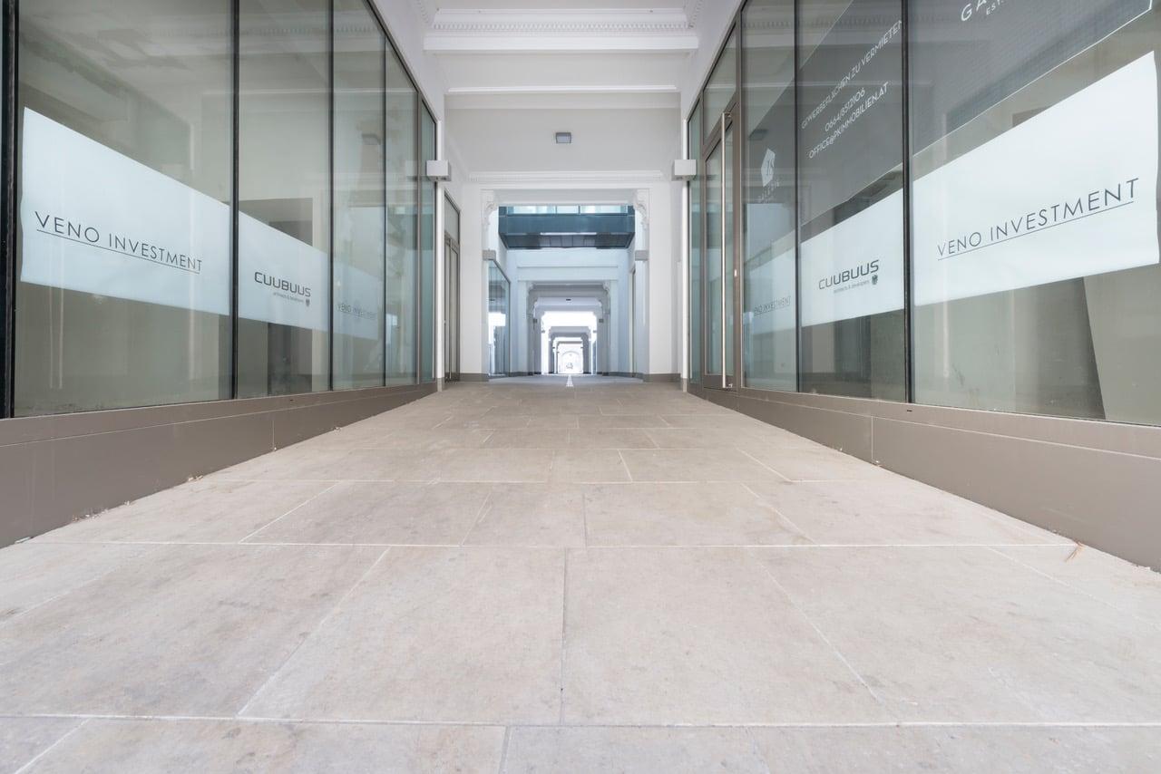 Zinshaus Wien Innenhof und Durchfahrt mit Technostein 2cm – 01