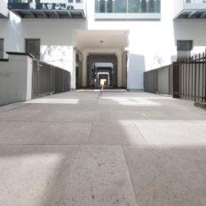 Zinshaus Wien Innenhof und Durchfahrt mit Technostein 2cm – 09